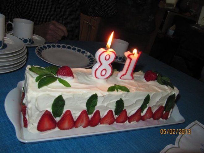 Ian 81 Bday cake