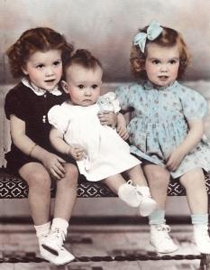 Moore sisters 1945