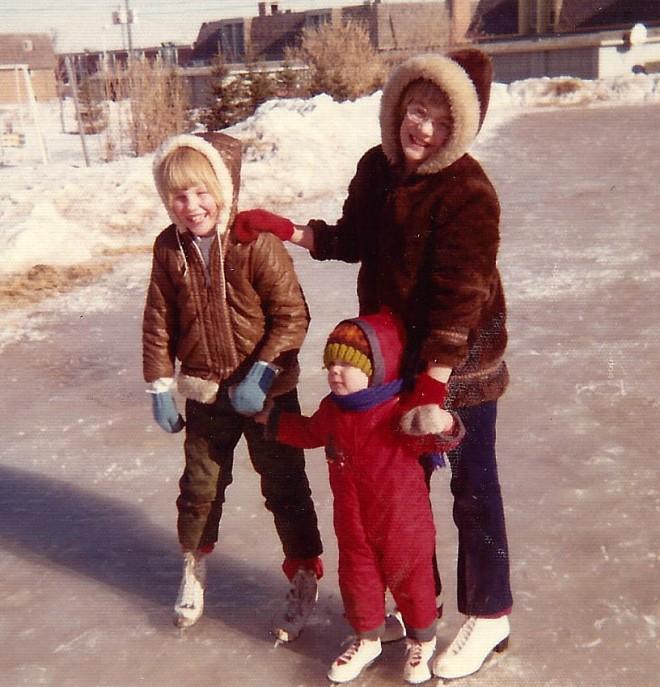 billi-lori-todd-skating-1972