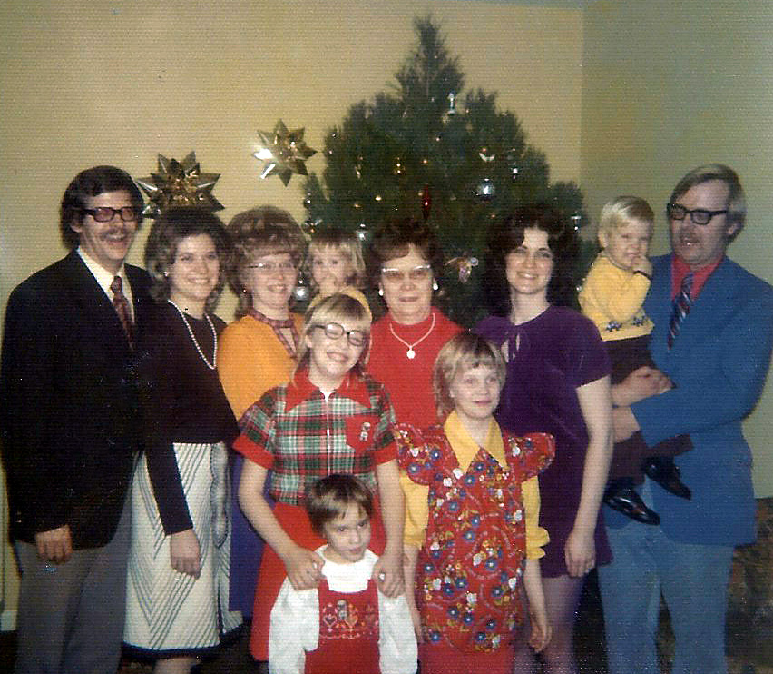 moore-family-christmas-1972-photo-1