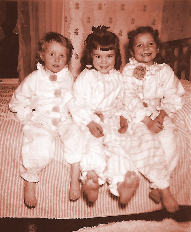Moore Girls in Clown pjs-1949
